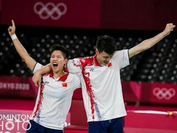 Wang Yi Lyu/Huang Dong Ping Rebut Emas Ganda Campuran Olimpiade Tokyo 2020