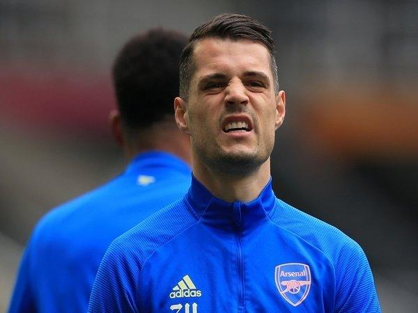 Granit Xhaka sudah sangat mendambakan dilatih oleh Jose Mourinho musim depan, tetapi AS Roma sampai detik ini belum juga menemui kesepakatan dengan Arsenal / via Getty Images
