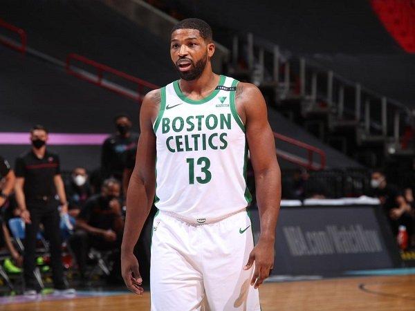 Sacramento Kings berhasil gaet Tristan Thompson dari Boston Celtics.