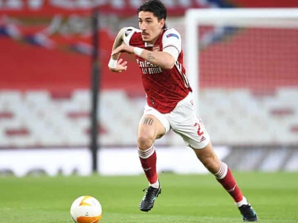 Arsenal siap bahas transfer Bellerin