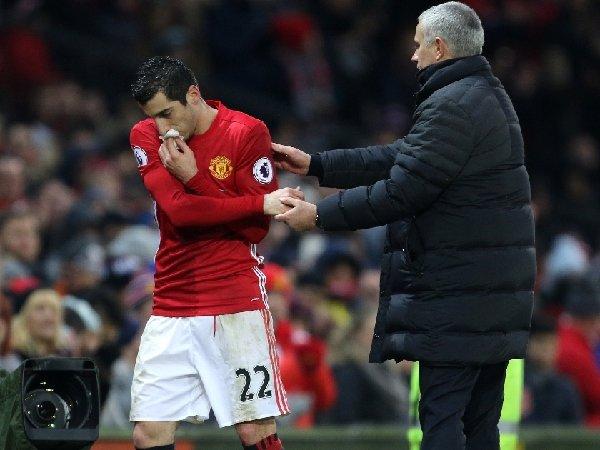 Gelandang AS Roma, Henrikh Mkhitaryan, mengklaim sudah tak ada masalah antara dirinya dengan Jose Mourinho
