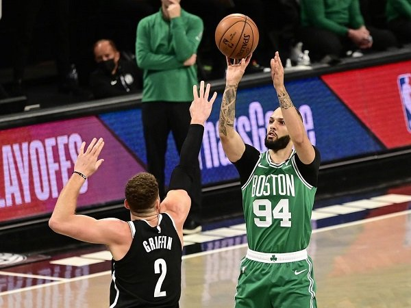 Boston Celtics keberatan sanggupi permintaan gaji tinggi dari Evan Fournier.