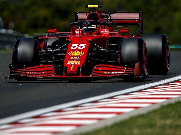 Carlos Sainz Jr ungkap faktor utama yang buatnya gagal optimal di kualifikasi GP Hungaria.