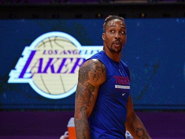 Dwight Howard tak tutup peluang kembali perkuat Lakers.