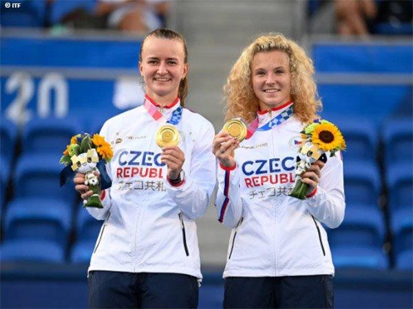 Barbora Krejcikova dan Katerina Siniakova segel medali emas Olimpiade Tokyo