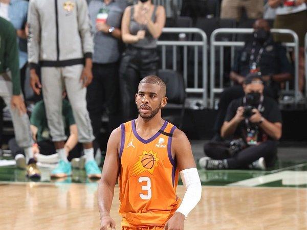 Chris Paul tolak hak opsi pemain bernilai 44 juta Dolar AS bersama Phoenix Suns.