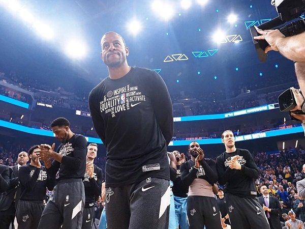 Andre Iguodala diminati oleh Lakers dan Warriors.