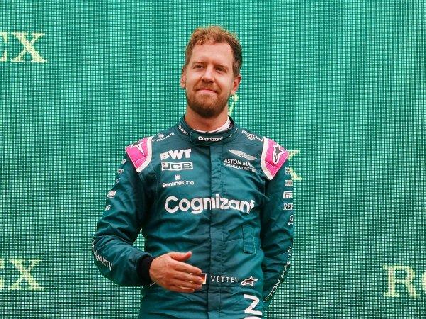 Sebastian Vettel terpaksa didiskualifikasi usai langgar aturan di GP Hungaria.