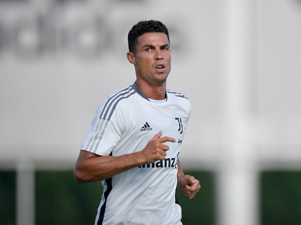 Cristiano Ronaldo dikabarkan masih bisa tinggalkan Juventus.