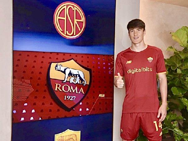 Eldor Shomurodov mengaku senang dengan transfernya ke AS Roma dari Genoa