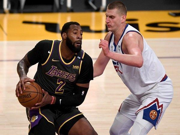 Philadelphia 76ers sukses bajak Andre Drummond dari L.A Lakers.