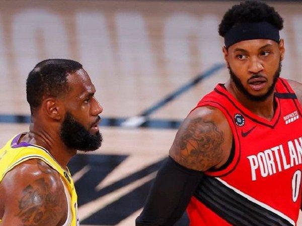 Carmelo Anthony akan bermain bersama LeBron James musim depan di Lakers. (images: Getty)