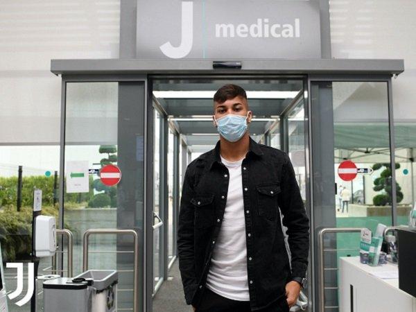 Kaio Jorge beri indikasi soal nomor punggungnya di Juventus.