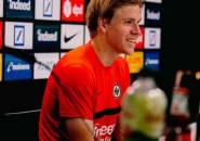 Rampungkan Transfer Ke Frankfurt, Hauge Kenang Masa-masanya Bersama Milan