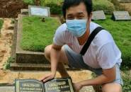 Hendra Setiawan Kunjungi Makam Markis Kido: Selamat Ulang Tahun Sahabat