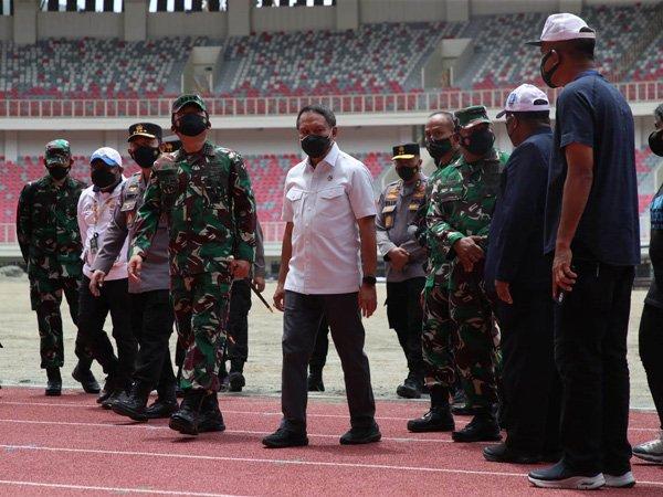 Menpora RI, Zainudin Amali bersama Panglima TNI Marsekal Hadi Tjahjanto dan Kapolri Jenderal Listyo Sigit Prabowo