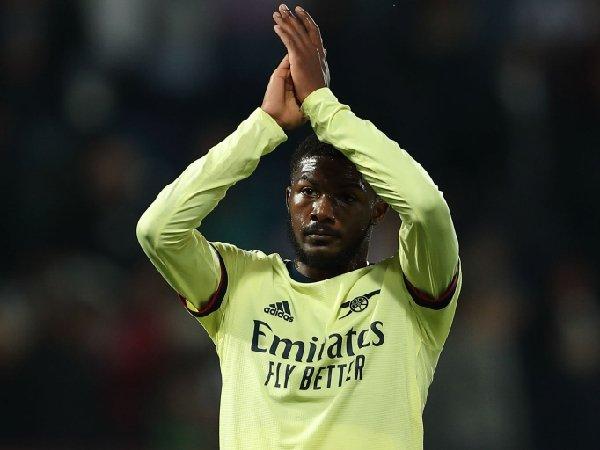 Arsenal mempertahankan Ainsley Maitland-Niles