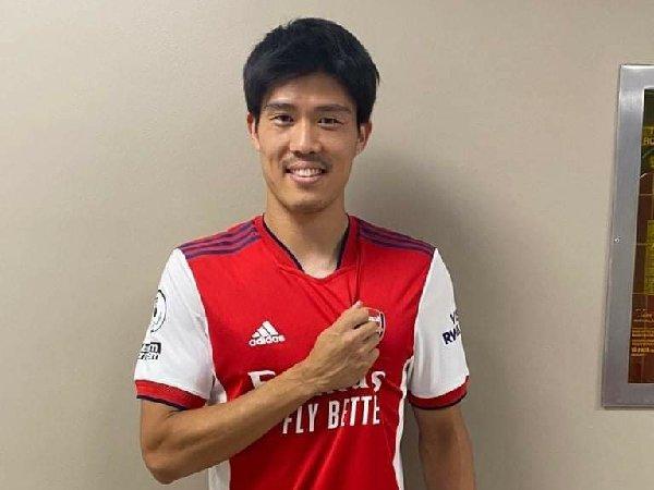 Takehiro Tomiyasu bergabung dengan Arsenal dari Bologna