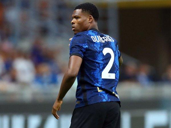 Bek sayap Inter Milan, Denzel Dumfries.