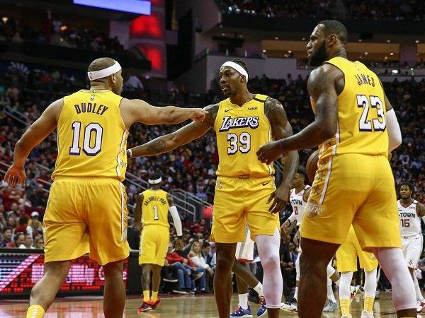 Los Angeles Lakers diperkuat enam pemain tertua di NBA saat ini.