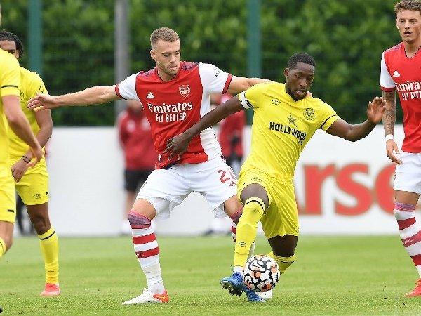 Arsenal mengalahkan Brentford 4-0
