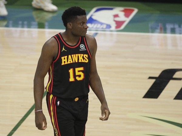 Atlanta Hawks bakal pertahankan Clint Capela hingga tahun 2025.