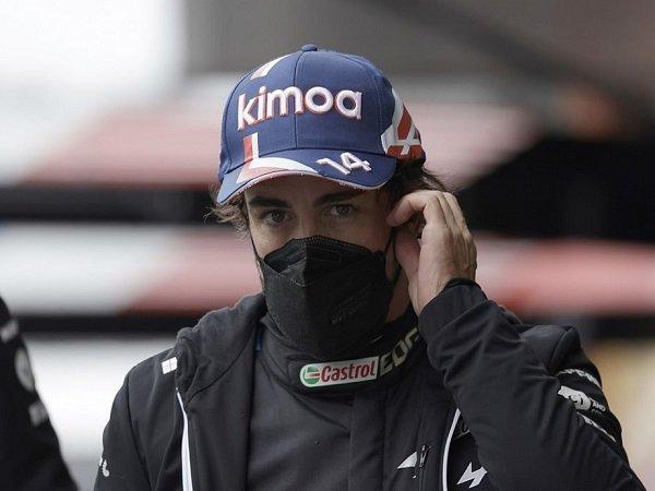 Fernando Alonso kesal tak dapat poin di GP Belgia.