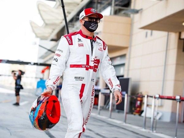 Kimi Raikkonen pilih pensiun di akhir musim 2021 kali ini.