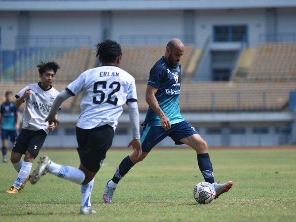 Mohammed Rashid dalam sesi latihan Persib