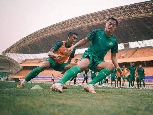 Aji Santoso pastikan penggawa lokal Persebaya Surabaya siap hadapi Borneo FC