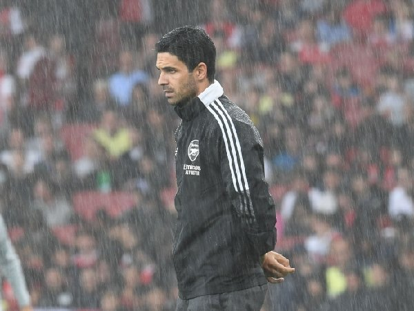 Mikel Arteta berada di bawah tekanan besar di Arsenal