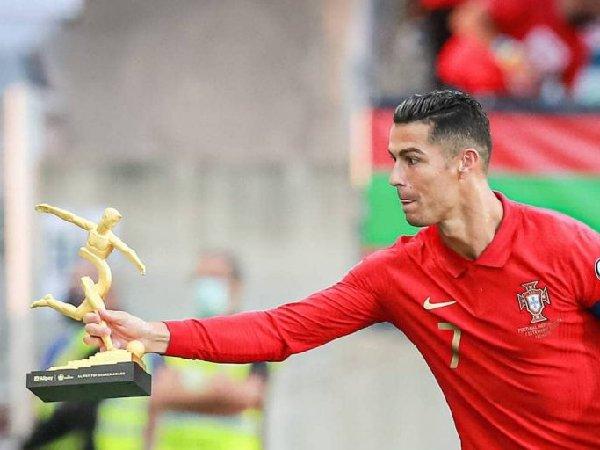Pelatih Juventus marah dengan transfer Cristiano Ronaldo ke MU