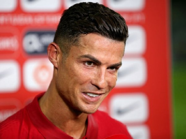Ray Parlour yakin bahwa Cristiano Ronaldo akan sukses di Manchester United