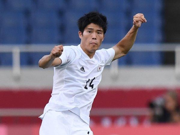Takehiro Tomiyasu menjadi rekrutan musim panas terakhir Arsenal