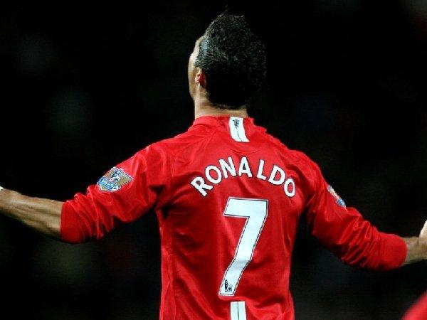 Cristiano Ronaldo diklaim bisa bantu para penyerang muda MU