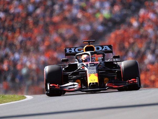 Max Verstappen beruntung bisa rebut pole GP Belanda meski mobilnya bermasalah.