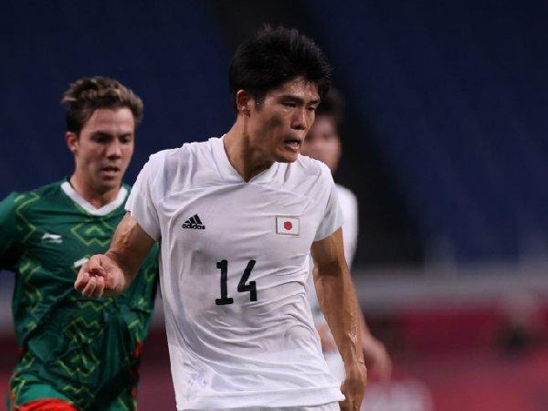 Takehiro Tomiyasu menjadi pilihan untuk bek kanan Arsenal