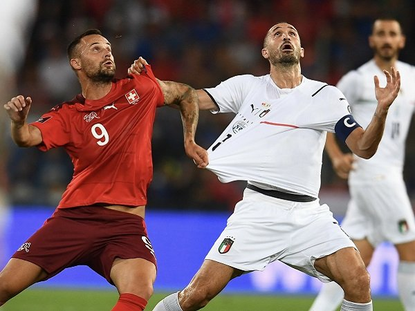 Giorgio Chiellini sebut Italia sudah bermain lebih baik saat menghadapi Swiss.