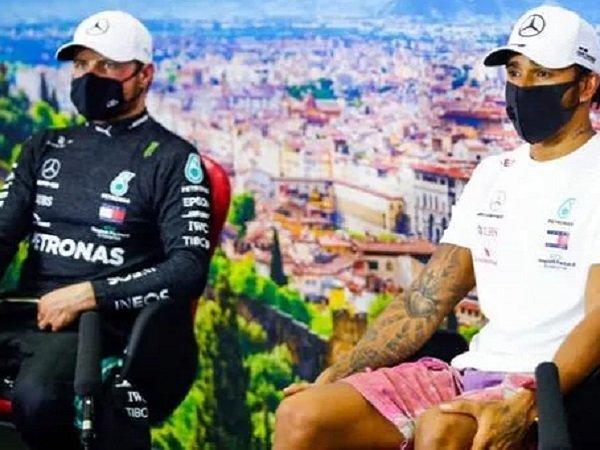 Dua pebalap Mercedes, Lewis Hamilton bersama Valtteri Bottas.