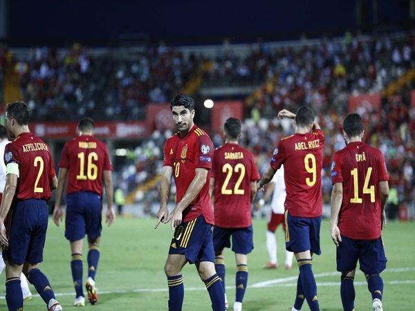 Enrique puji pemain Spanyol