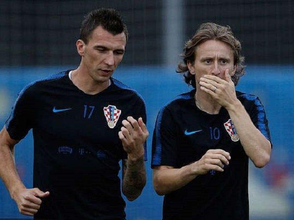 Luka Modric saat bersama Mario Mandzukic.