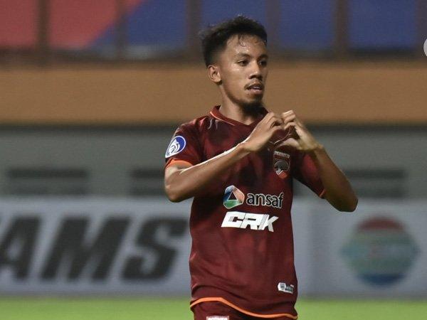Gelandang Borneo FC, Muhammad Sihran merayakan golnya ke gawang Persebaya Surabaya