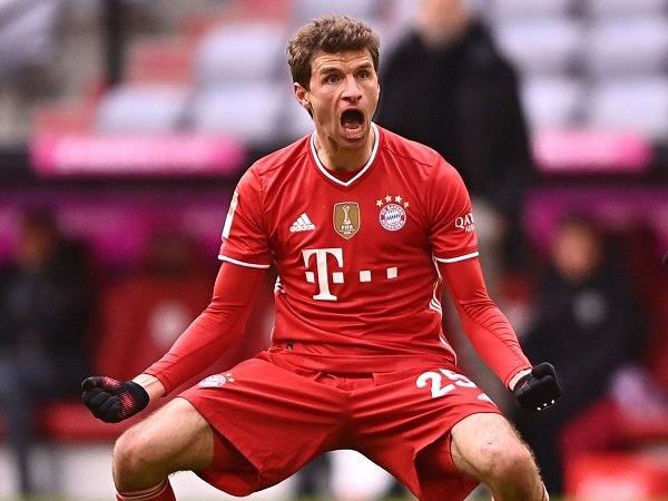 Thomas Muller bela Bayern Munich.