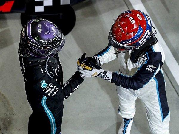 Lewis Hamilton senang Mercedes diperkuat George Russell musim depan.