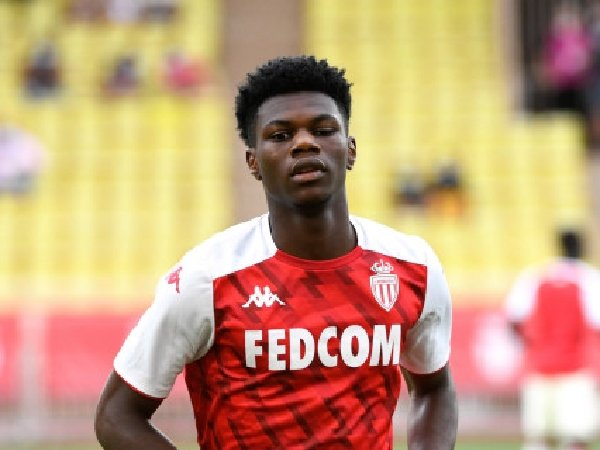 Paul Pogba berkomentar positif tentang pemain incaran Manchester United, Aurelien Tchouameni