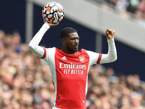 Ainsley Maitland-Niles gagal meninggalkan Arsenal