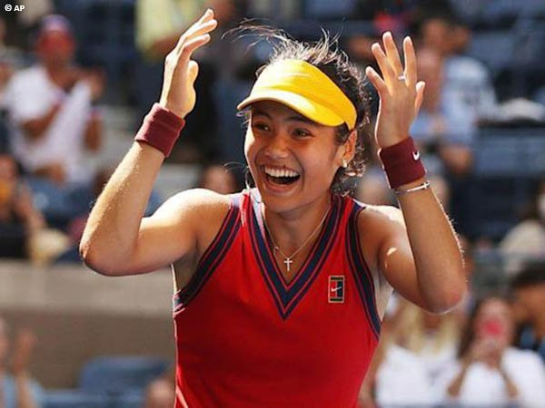 Emma Raducanu bantai Belinda Bencic di perempatfinal US Open 2021