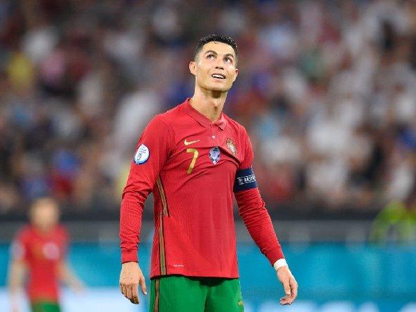 Mikael Silvestre ungkap tantangan terbesar Cristiano Ronaldo di MU musim ini