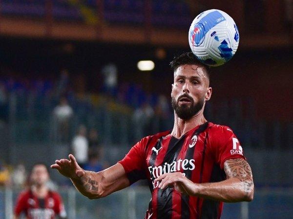 Franco Baresi menilai bahwa Olivier Giroud bisa memberikan kontribusi besar bagi AC Milan di musim ini / via Getty Images
