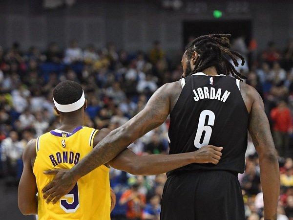 Los Angeles Lakers umumkan perekrutan Deandre Jordan secara resmi.